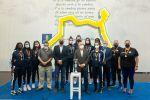 Antonio Morales y Francisco Castellano reciben a las jugadoras del equipo juvenil del Club de Voleibol 7 Palmas, campeón de España de su categoría tras vencer en Almería