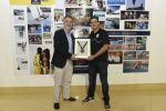 Ángel Víctor Torres recibe el agradecimiento  de la organización de la Bestial Race