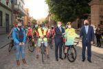 Encuentro de Perico Delgado con el ciclismo base de Gran Canaria en Gáldar