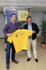 Lucas Bravo de Laguna recoge el apoyo de una leyenda del atletismo, Mariano Haro