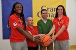 Lucas Bravo de Laguna felicita a las jugadoras del Islas Canarias que lograron el Subcampeonato del Mundo Sub-17