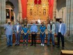 El Consejero de Deportes, Francisco Castellano, acompaña al Rocasa Gran Canaria en su ofrenda al Santo Cristo de Telde