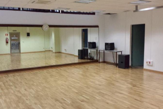 sala-actividades-pequea-planta-02