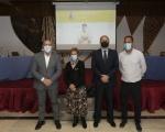 Francisco Castellano, con la familia de Juan Guedes en la presentación de su página web para conmemorar el 50 aniversario de su fallecimiento
