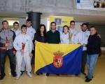 Lucas Bravo de Laguna felicita a los nuevos medallistas nacionales del Club de Lucha Santa Rita