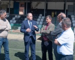 Francisco Castellano visita Santa Lucia de Tirajana y se compromete a realizar obras de mejora y renovación en las instalaciones deportivas municipales