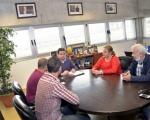 La alcaldesa de Telde y el Club de Futbol La Garita, solicitan el respaldo de la Consejería insular de Deportes para nuevas infraestructuras.
