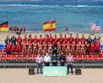 Castellano visita los entrenamientos de las selecciones masculinas y femeninas, que participarán en el Campeonato Internacional de Balonmano Playa