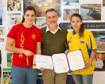 El consejero de deportes recibe a las hermanas Ramírez Perdomo tras obtener las medallas de oro y bronce en Lucha Coreana y Lucha Libre Olímpica